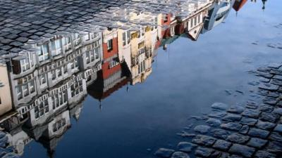 37.-Reflective-Photography.jpg